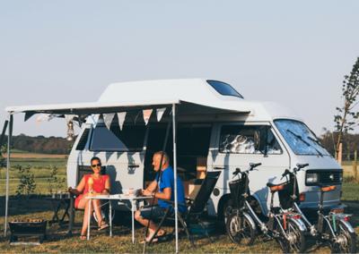 camperplaats_kamperen_heide_retro_busje