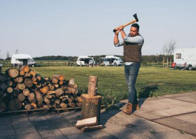 hout_hakken_outdoor_leven_camping_mirnserheide